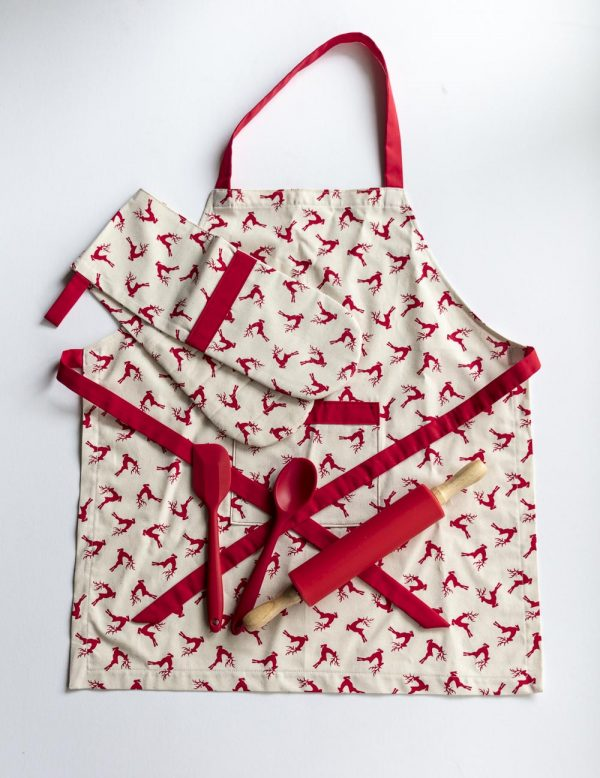 Apron and Double Oven Mitt Reindeer